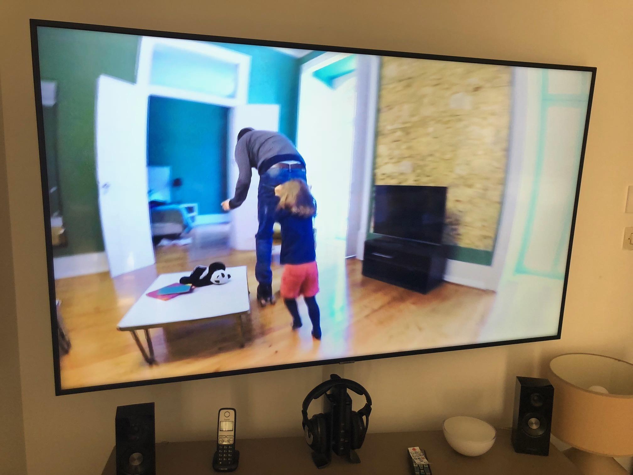 A Quelle Hauteur Mettre Une Tele Au Mur ma nouvelle tv led 4k samsung ou comment l'accrocher et l
